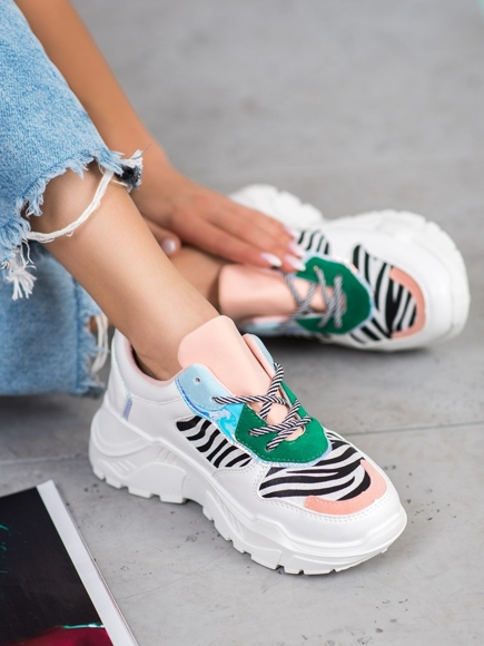 SNEAKERSY FASHION