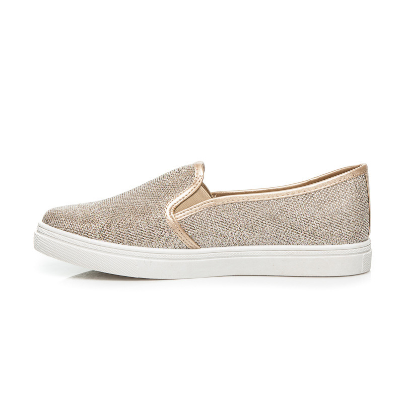 SLIP ON FASHION