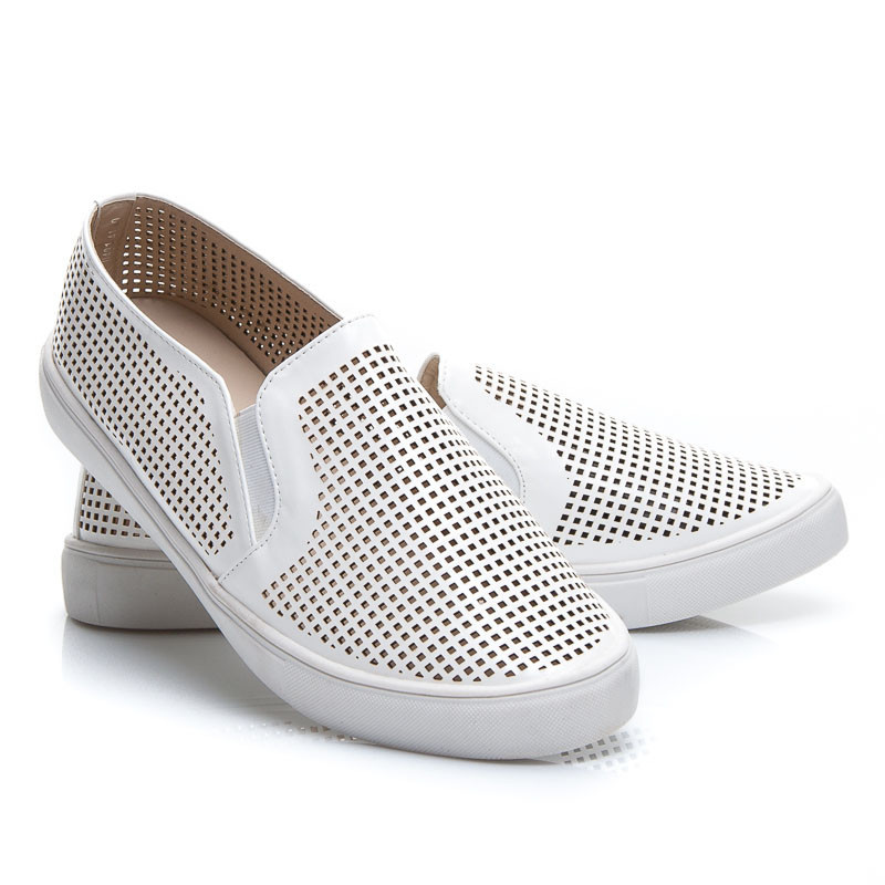 SUMMER SLIP ON SNEAKERS